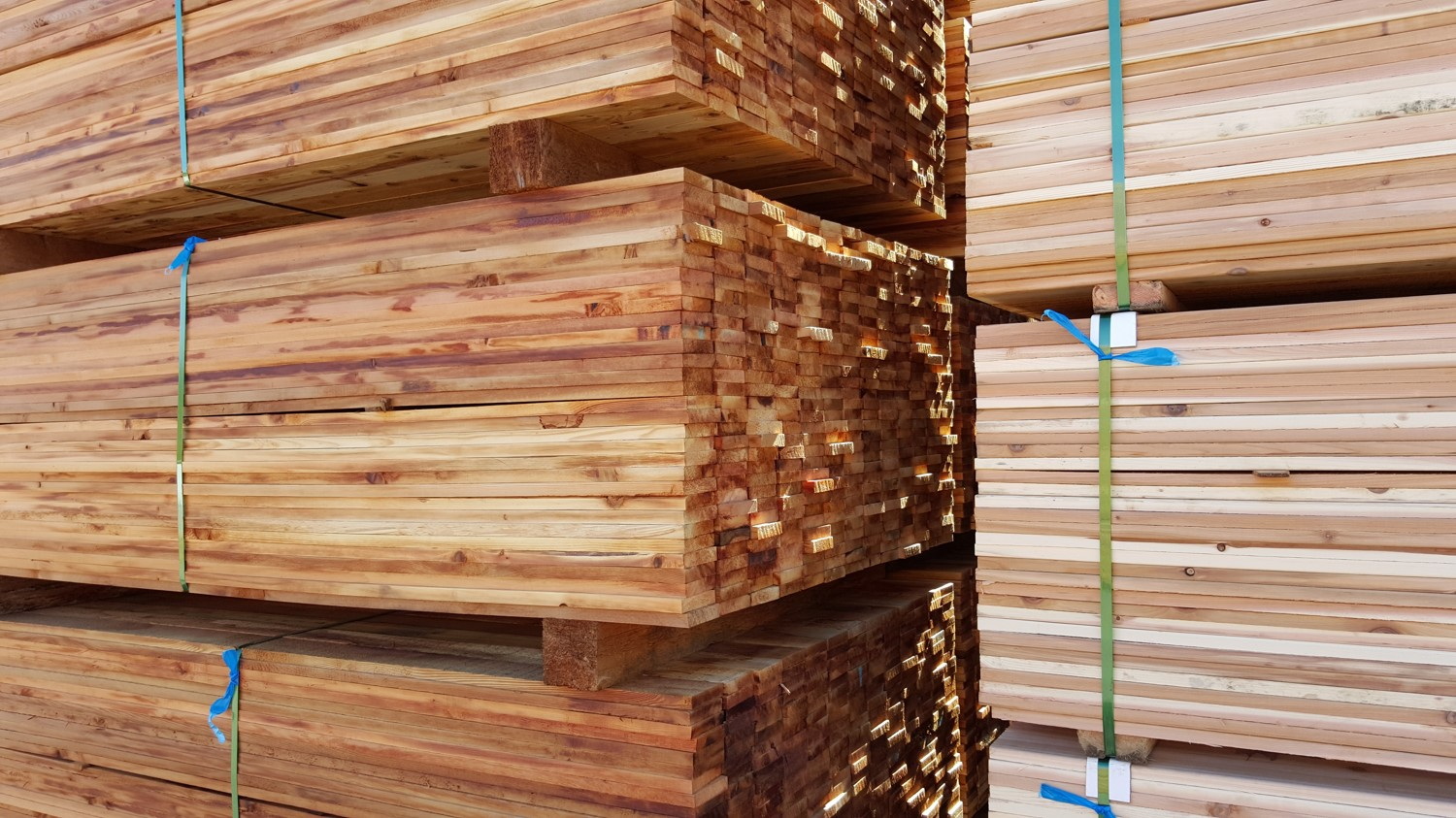 Wholesale Cedar Products - Lumber, Siding, Hip and Ridge Caps, Shakes and Shingles