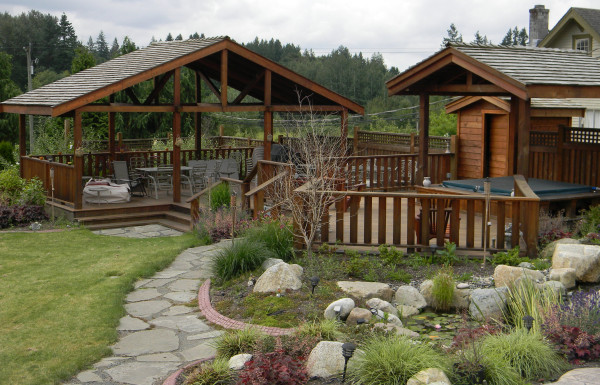 Cedar Shakes vs Asphalt Shingles